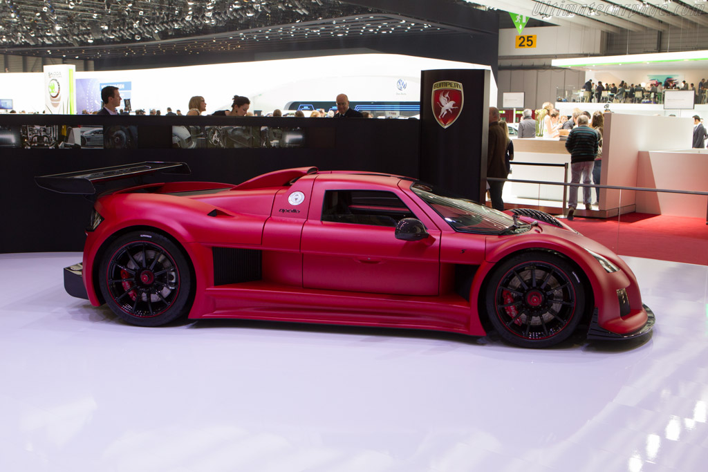 Gumpert Apollo S    - 2013 Geneva International Motor Show