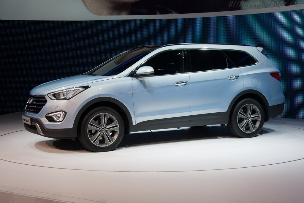 Hyundai Santa Fe    - 2013 Geneva International Motor Show