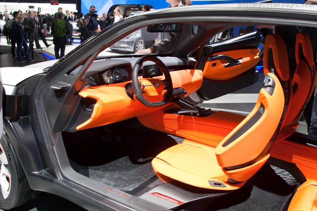 Hyundai Intrado Concept    - 2014 Geneva International Motor Show