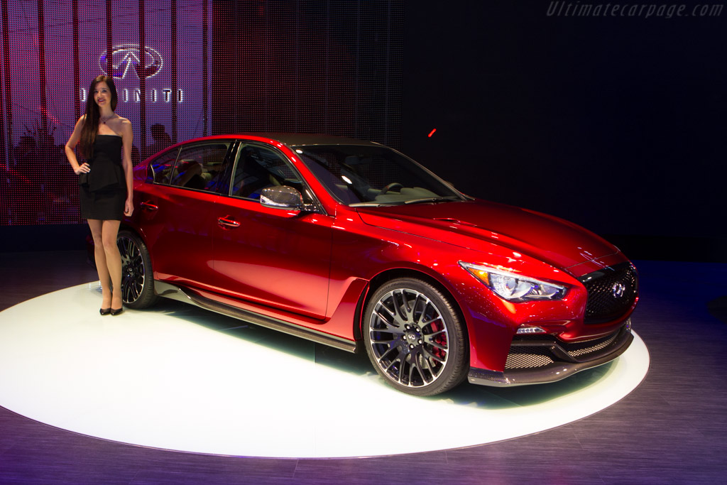 Infiniti Q50 Eau Rouge    - 2014 Geneva International Motor Show