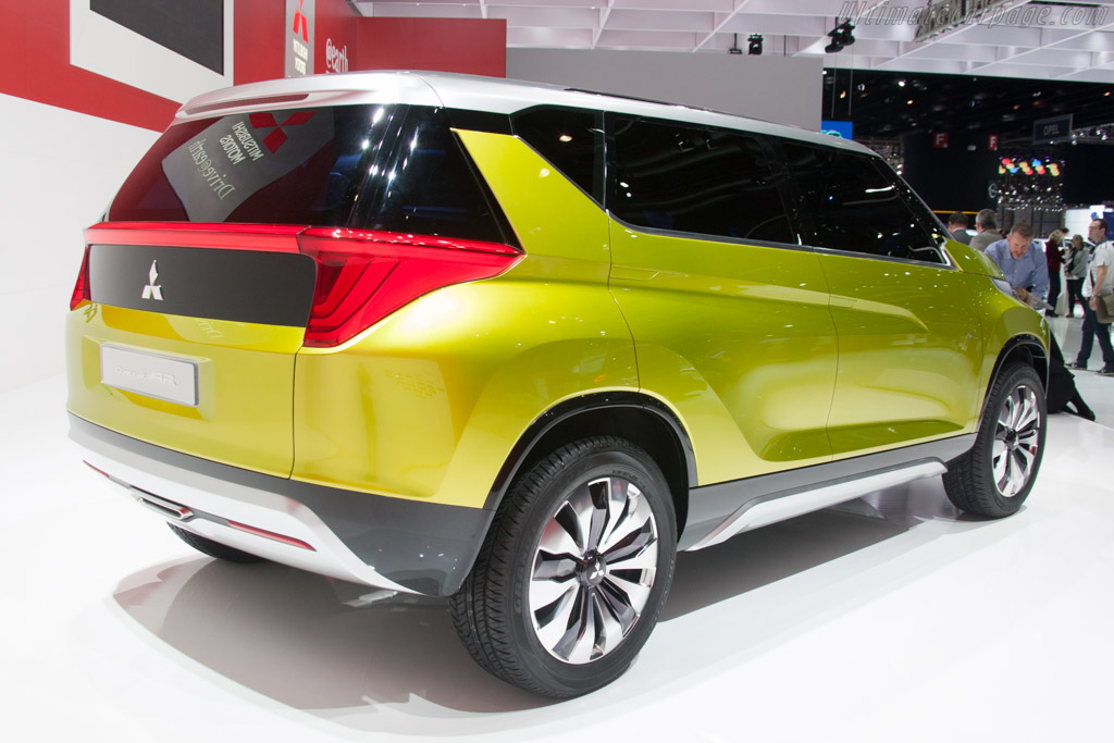 Mitsubishi Concept AR    - 2014 Geneva International Motor Show