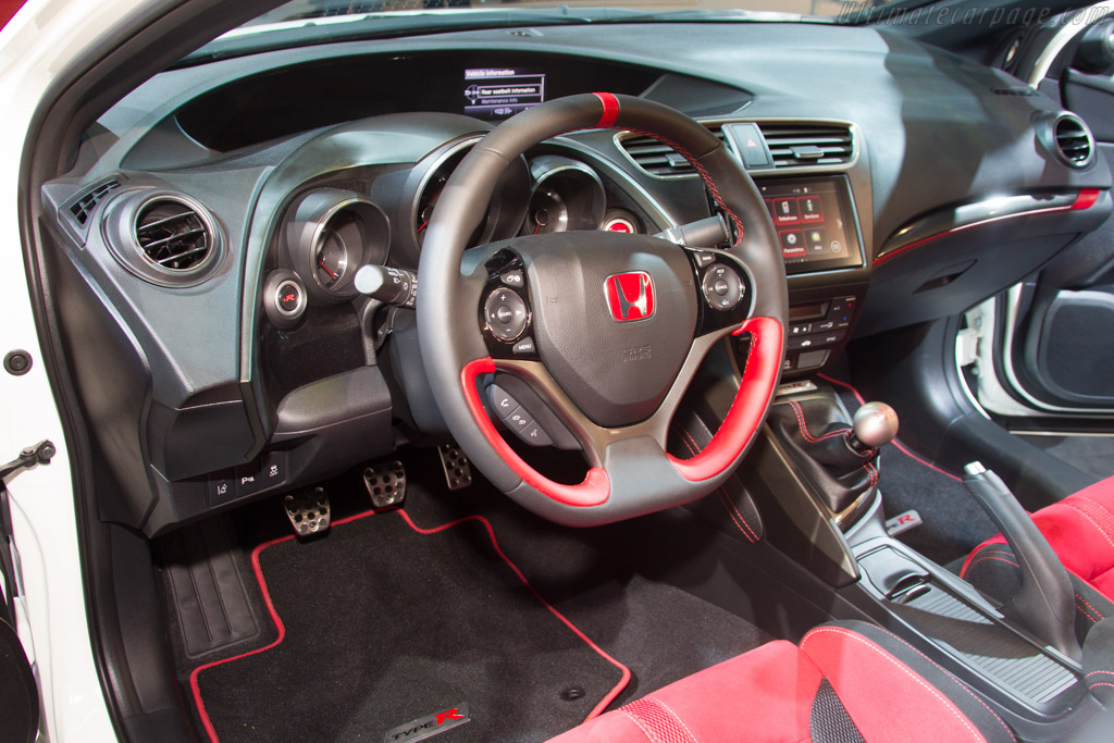 Honda Civic Type R    - 2015 Geneva International Motor Show
