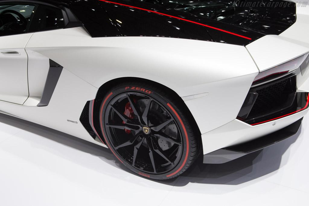 Lamborghini Aventador Lp700 4 Pirelli Edition 2015