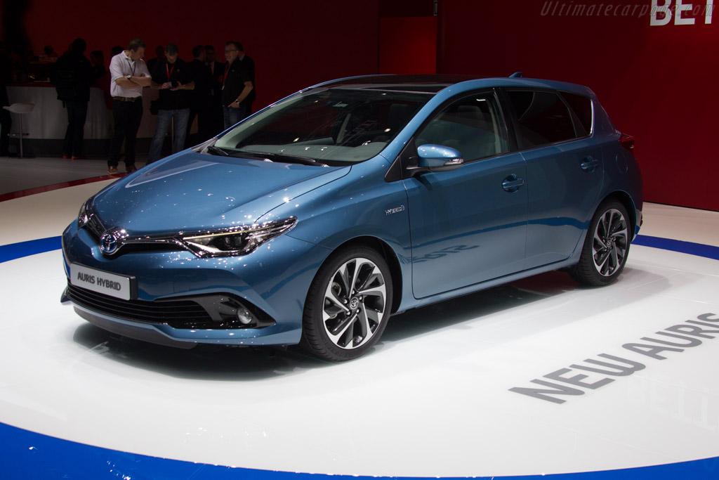 Toyota Auris Hybrid    - 2015 Geneva International Motor Show