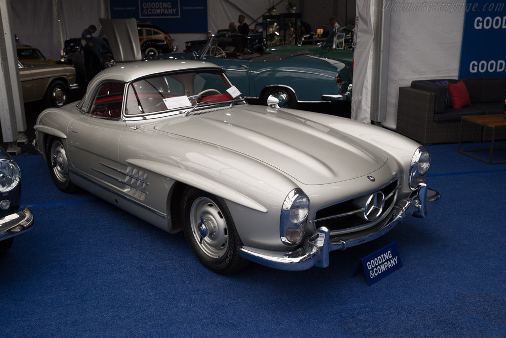 Mercedes-Benz 300 SL Roadster - Chassis: 198.042.7500211   - 2017 Monterey Auctions