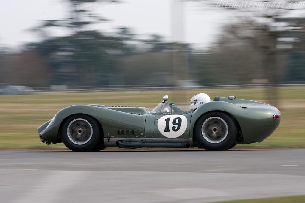 Lister Knobbly Jaguar    - 2010 Goodwood Preview