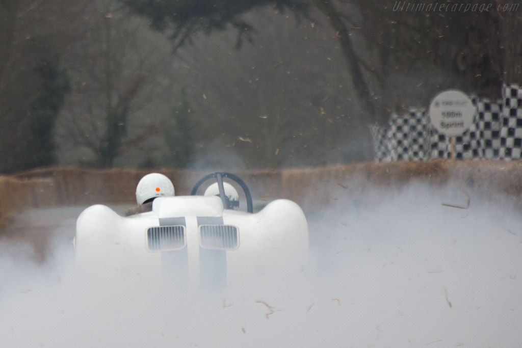 Julian Majzub storms away    - 2012 Goodwood Preview