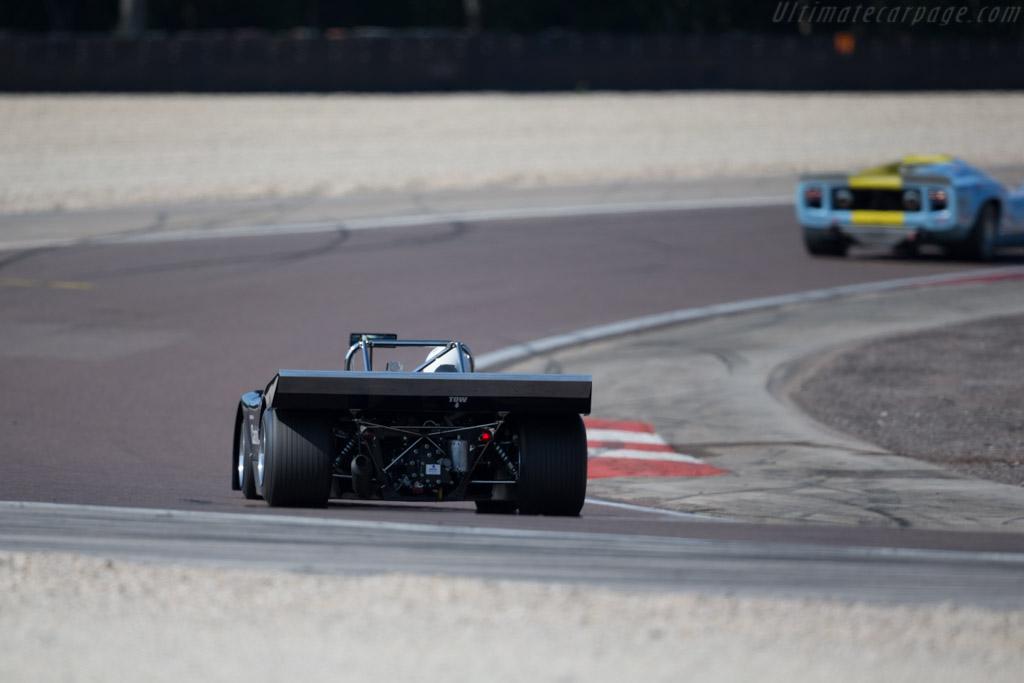 Chevron B19 - Chassis: B19-71-25 - Driver: Philipp Bruehwiler  - 2015 Grand Prix de l'Age d'Or