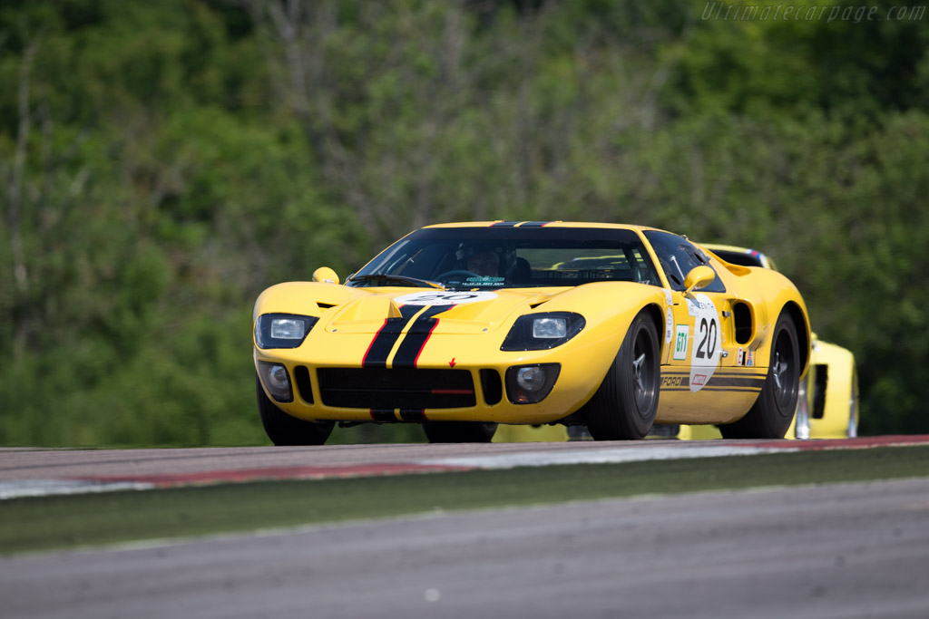 ford gt40 chassis gt40p 1027 driver christian dumolin christophe van riet 2015 grand. Black Bedroom Furniture Sets. Home Design Ideas