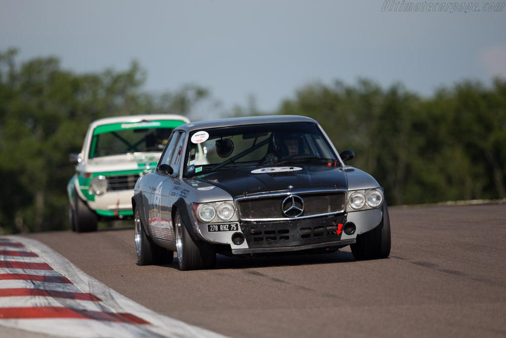 Mercedes-Benz 350 SL - Chassis: 107.023.10.700241 - Driver: Augustin Cochin  - 2015 Grand Prix de l'Age d'Or