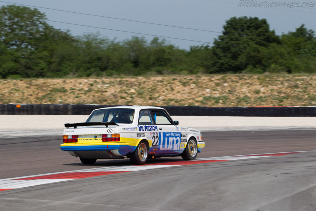 Volvo 240 Turbo - Chassis: 240A 403 - Driver: Andrew Beverley  - 2015 Grand Prix de l'Age d'Or