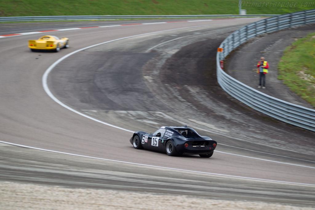 Chevron B8 BMW - Chassis: CH-DBE-71 - Driver: John Emberson / Bill Wykeham  - 2016 Grand Prix de l'Age d'Or