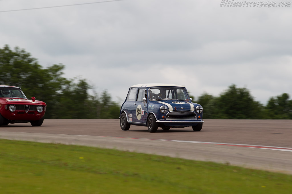 Morris Mini Cooper S  - Driver: Steve Jones  - 2016 Grand Prix de l'Age d'Or