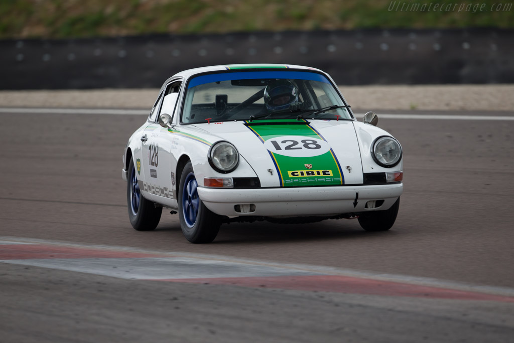 Porsche 911 - Chassis: 303727 - Driver: Steve Jones / Nick Padmore  - 2016 Grand Prix de l'Age d'Or