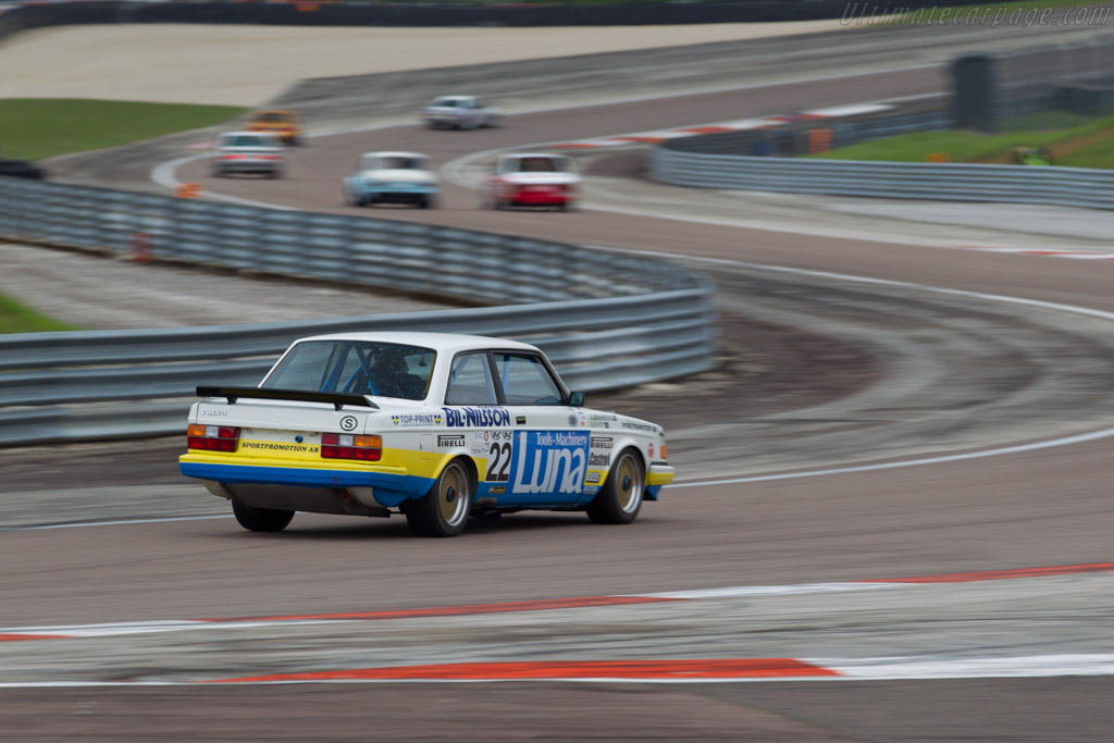 Volvo 240 Turbo - Chassis: 240A 403 - Driver: Andrew Beverley  - 2016 Grand Prix de l'Age d'Or