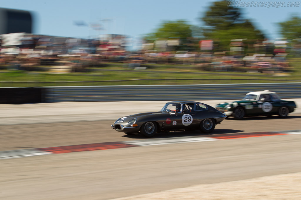 Jaguar E-Type - Chassis: 860778 - Driver: Sandy Watson / Martin O'Connell  - 2017 Grand Prix de l'Age d'Or