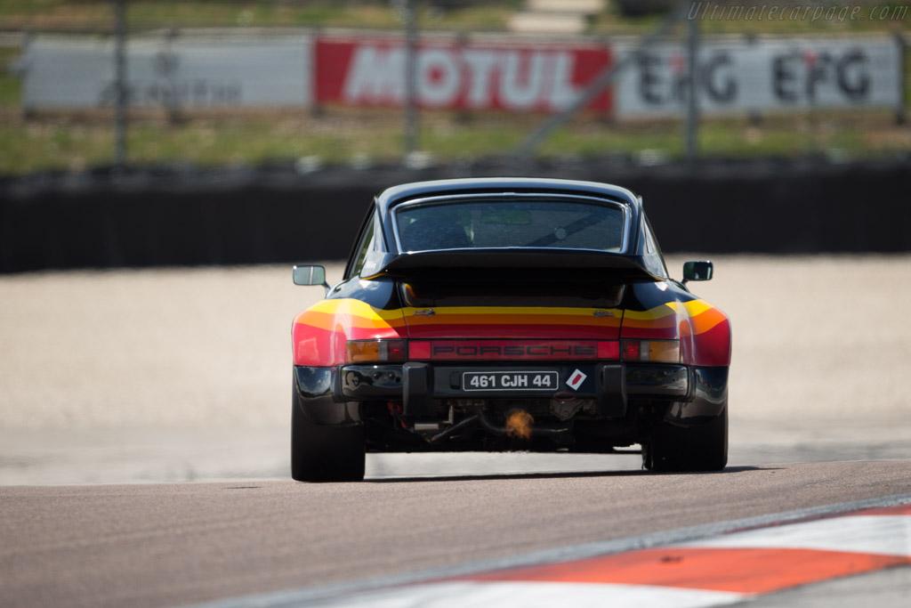 Porsche 911 Turbo - Chassis: 930 570 0021 - Driver: Jean Francois Piquet / Alain Triniane  - 2017 Grand Prix de l'Age d'Or
