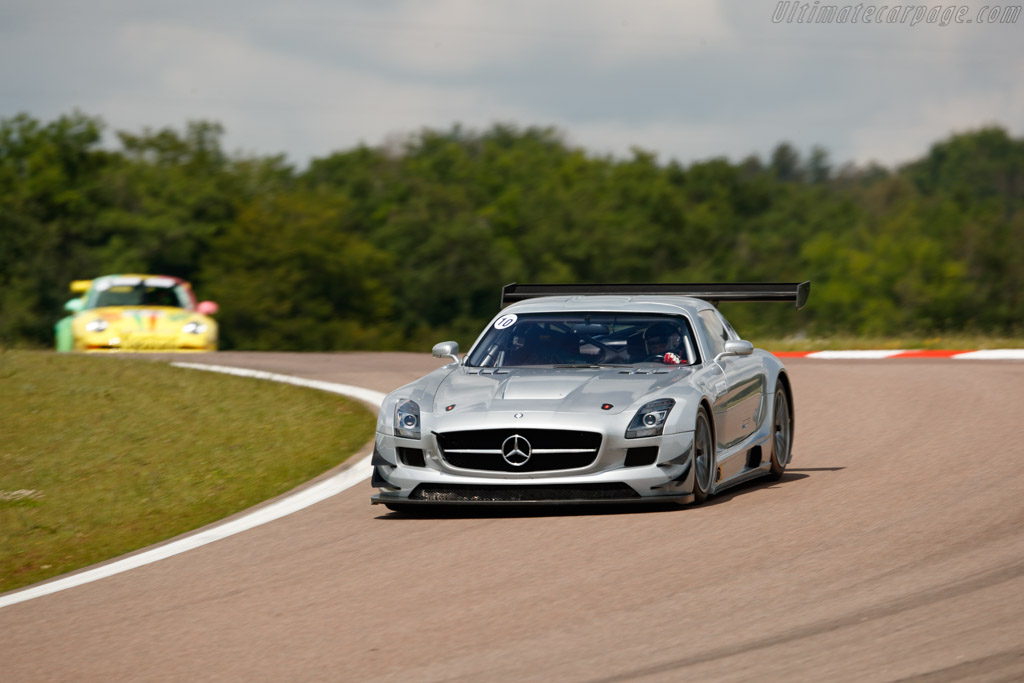 mercedes benz sls amg gt3 chassis 106 driver vincent neurisse 2018 grand prix de l 39 age d 39 or. Black Bedroom Furniture Sets. Home Design Ideas