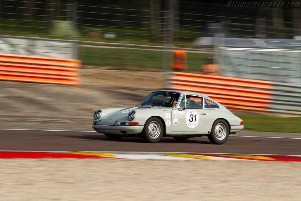 Porsche 911 - Chassis: 302992 - Driver: Diego Candano / Alex de Regero  - 2018 Grand Prix de l'Age d'Or