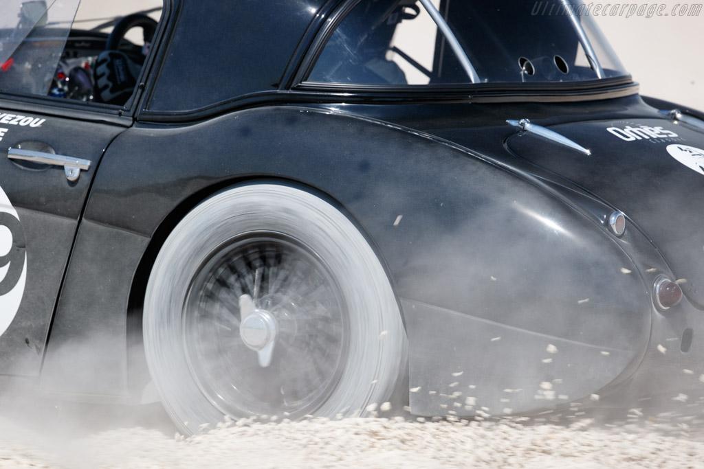 Austin Healey 3000 Mk2 - Chassis: HBT7L-12636 - Driver: Jean-Marc Avezou - 2019 Grand Prix de l'Age d'Or