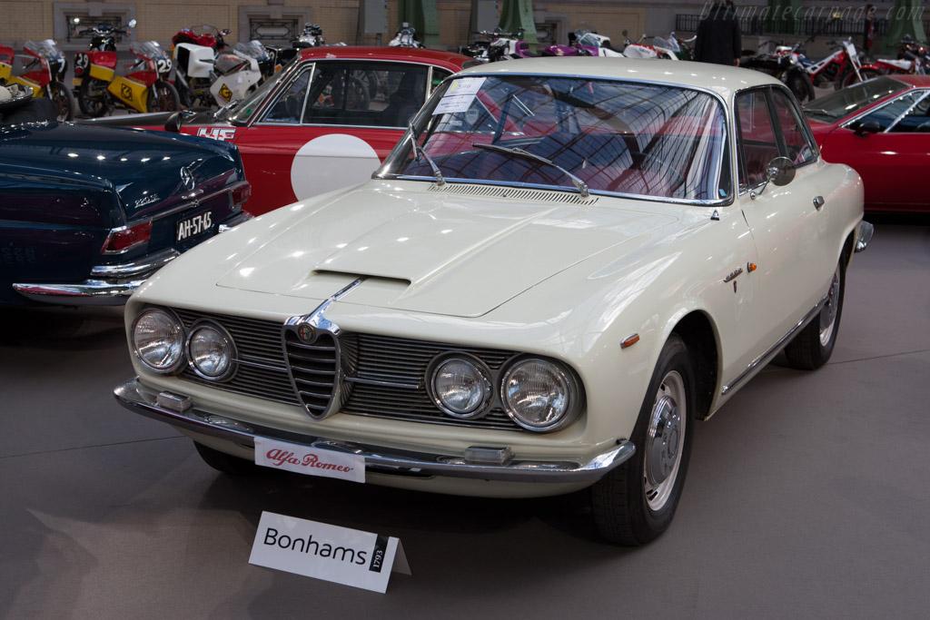 Alfa Romeo 2600 Sprint Coupe - Chassis: AR820392   - 2013 Retromobile