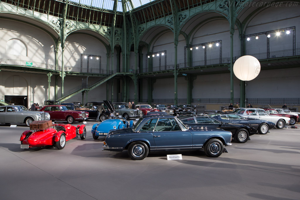 Welcome to the Grand Palais    - 2015 Retromobile