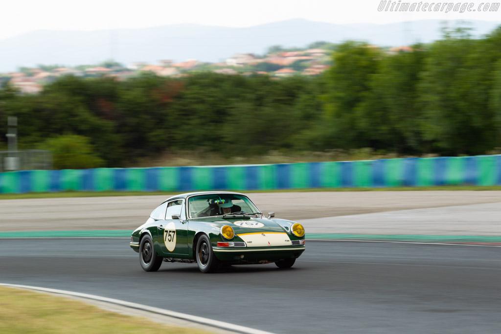 Porsche 911 - Chassis: 303757 - Driver: Uwe Bruschnik / Robert Haug - 2019 Hungaroring Classic