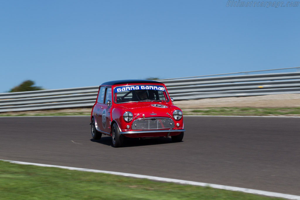 austin mini cooper s driver rene de vries 2015 historic grand prix zandvoort. Black Bedroom Furniture Sets. Home Design Ideas