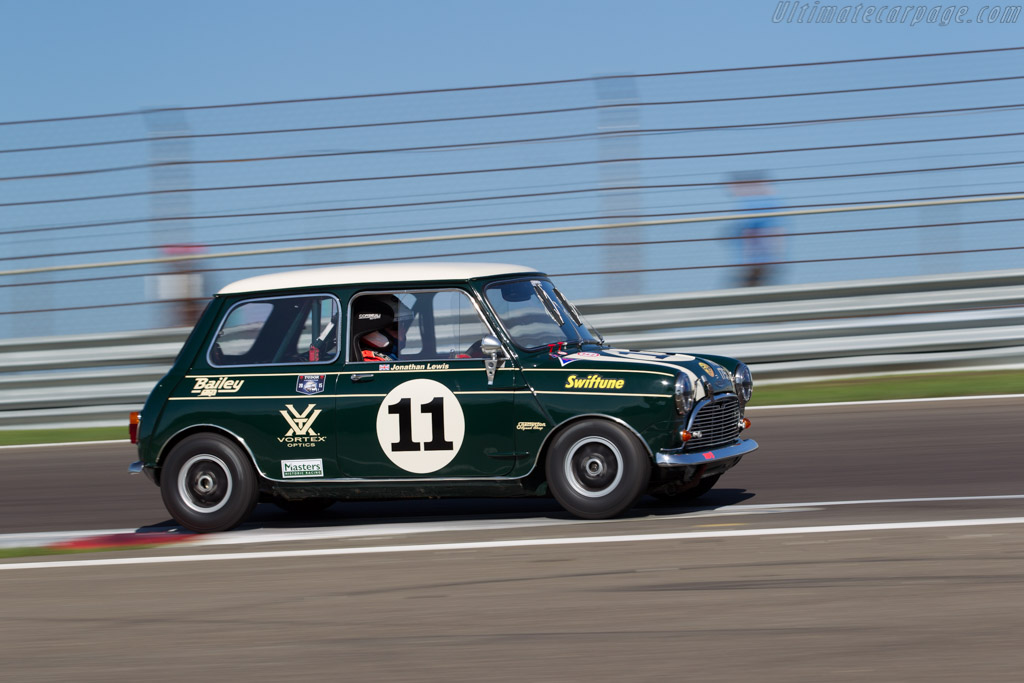austin mini cooper s driver jonathan lewis 2015 historic grand prix zandvoort. Black Bedroom Furniture Sets. Home Design Ideas