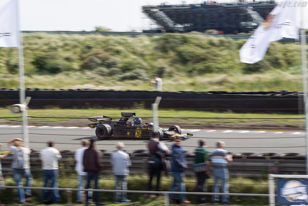 Lotus 76/1 - Chassis: JPS9 - Driver: Andrew Beaumont  - 2017 Historic Grand Prix Zandvoort