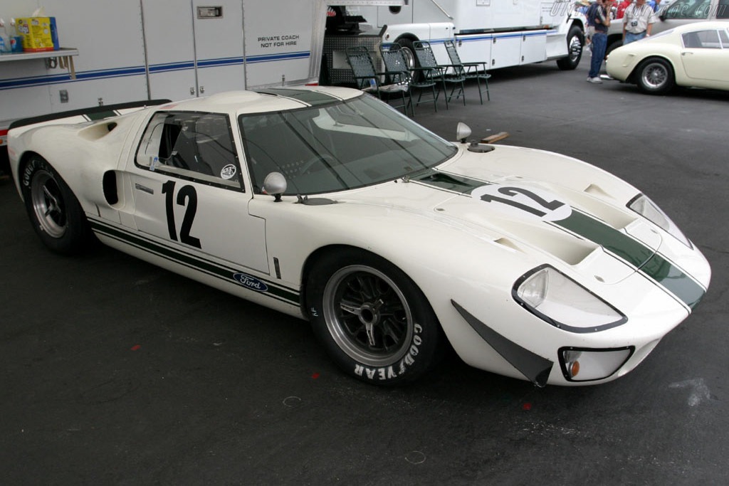 Ford GT40 - Chassis: GT40P/1037   - 2005 Monterey Historic Automobile Races