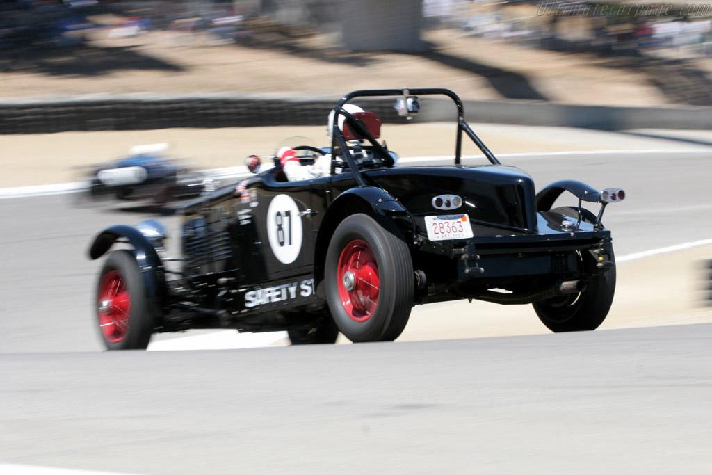 Stutz Blackhawk    - 2005 Monterey Historic Automobile Races