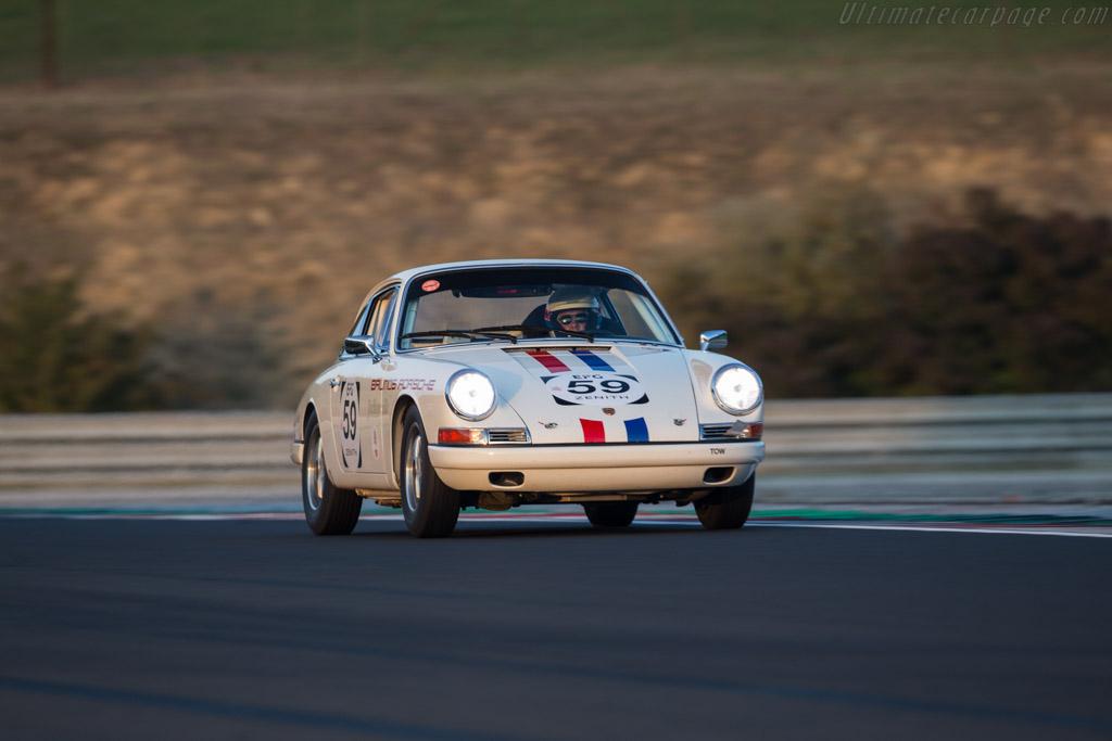 Porsche 911  - Driver: David Huxley / Nigel Greensall  - 2017 Hungaroring Classic