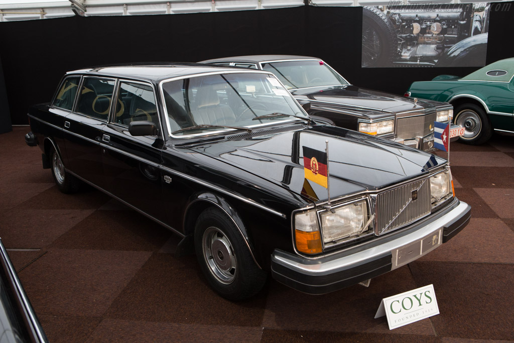 Volvo 264 Top Executive LWB    - 2015 Interclassics and Topmobiel