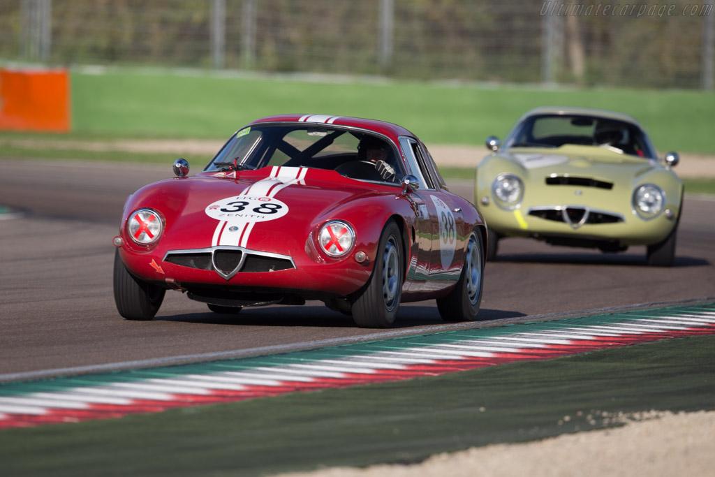 Alfa Romeo TZ - Chassis: AR750098 - Driver: Lucien ...