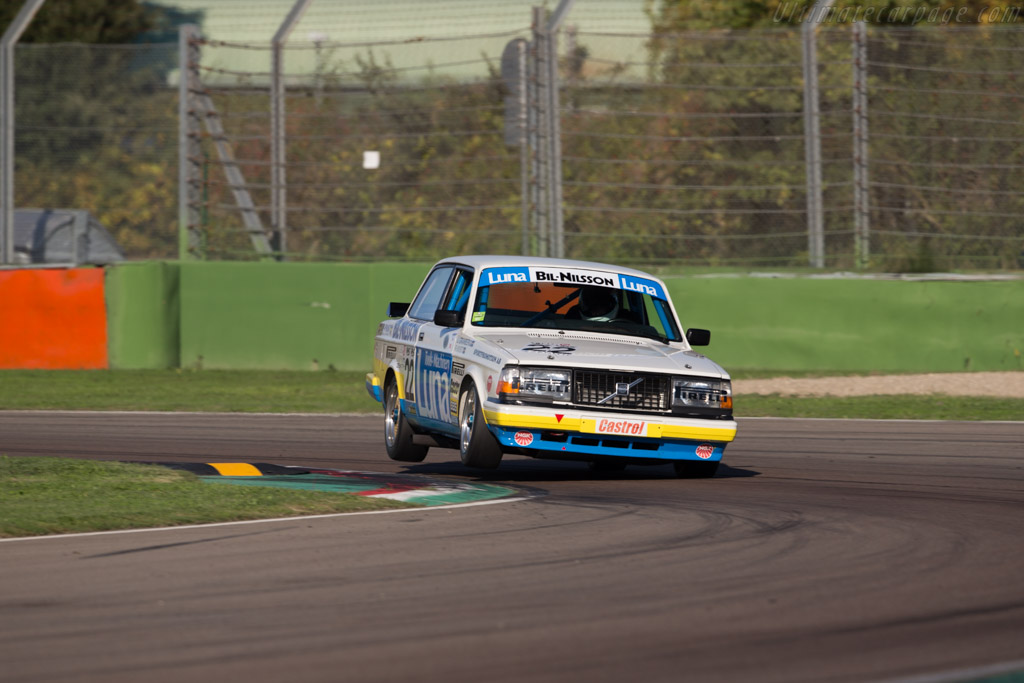 Volvo 240 Turbo - Chassis: 240A 403 - Driver: Andrew Beverley  - 2016 Imola Classic