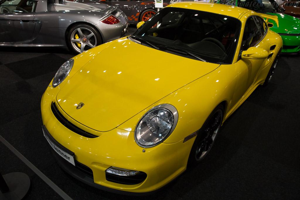 Porsche 911 GT2 - Chassis: WP0ZZZ99Z8S794739   - 2015 Interclassics Brussels