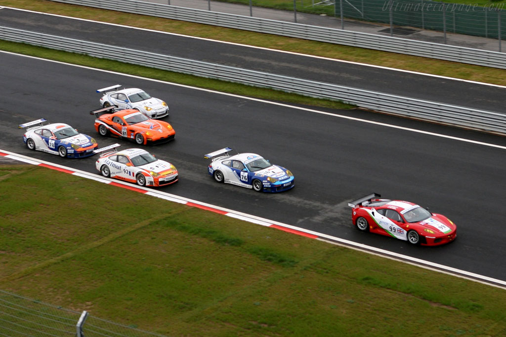 The start - Chassis: WP0ZZZ99Z5S693061   - 2006 Le Mans Series Istanbul 1000 km