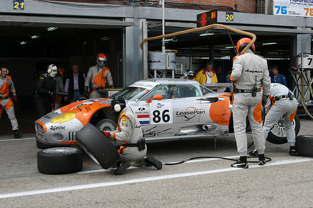 Spyker pit stop - Chassis: XL9CD31G55Z363046 - Entrant: Spyker Squadron  - 2006 Le Mans Series Jarama 1000 km