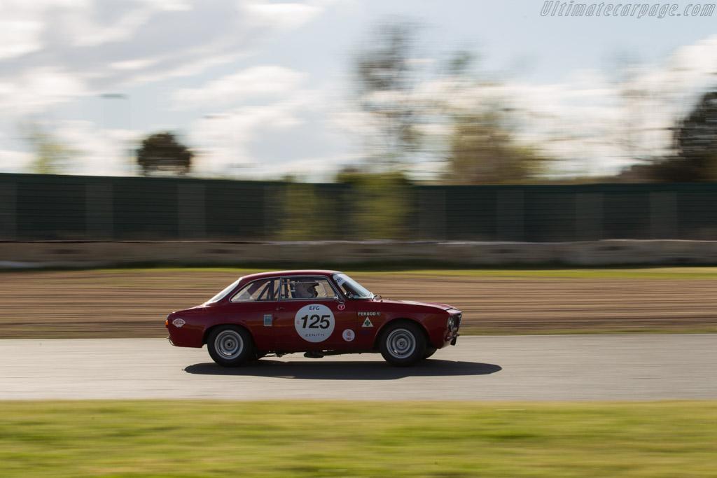 Alfa Romeo Giula GTA - Chassis: AR613821 - Driver: Eric Everard / Raphaël de Borman  - 2017 Jarama Classic