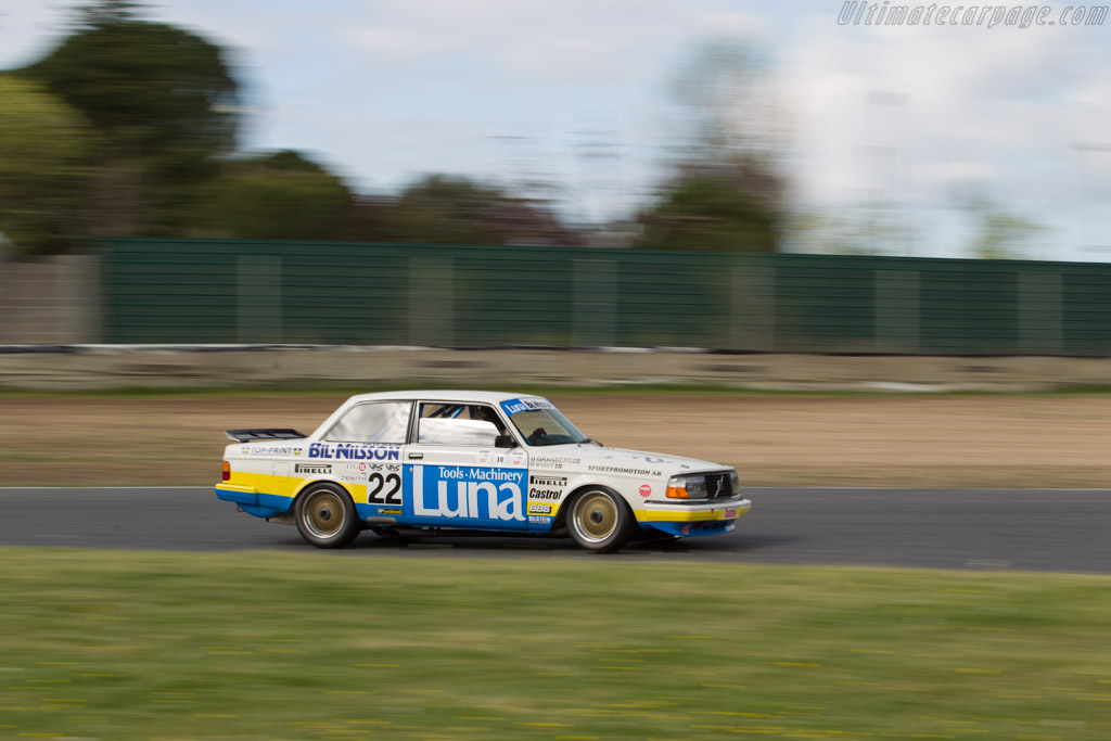 Volvo 240 Turbo - Chassis: 240A 403 - Driver: Andrew Beverley  - 2017 Jarama Classic