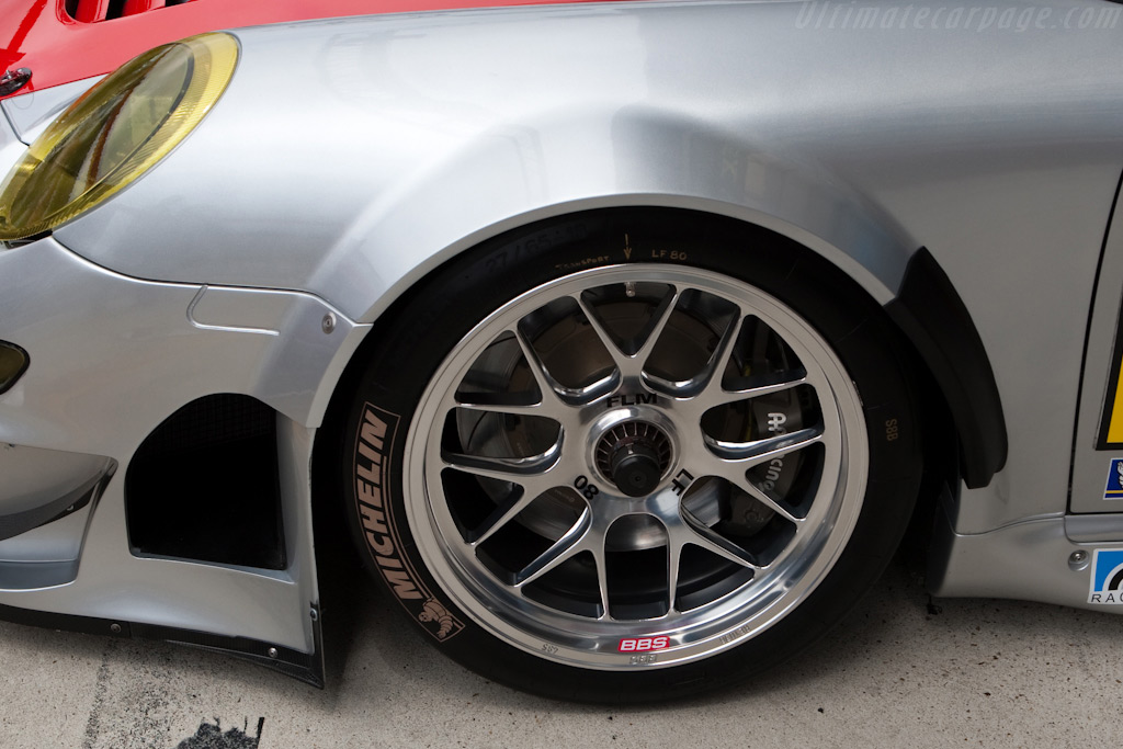 A new bit on the Porsche - Chassis: WP0ZZZ99Z9S799913   - 2009 24 Hours of Le Mans