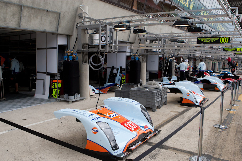 Aston Martin on their fiftieth anniversary - Chassis: B0960-HU02   - 2009 24 Hours of Le Mans