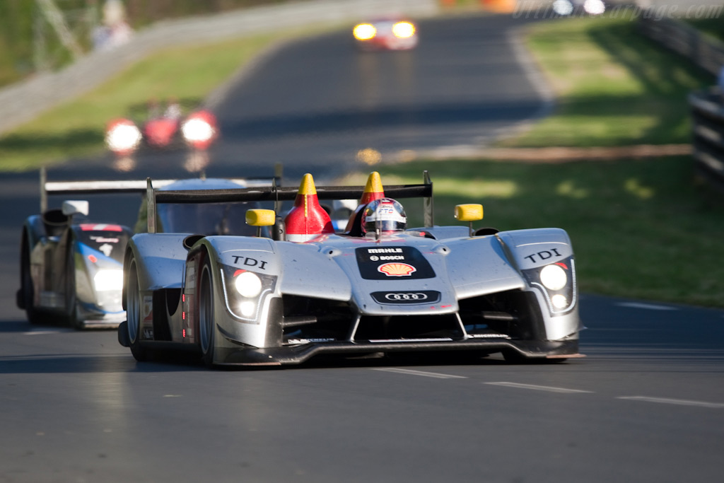Dindo holding off a Peugeot - Chassis: 105   - 2009 24 Hours of Le Mans