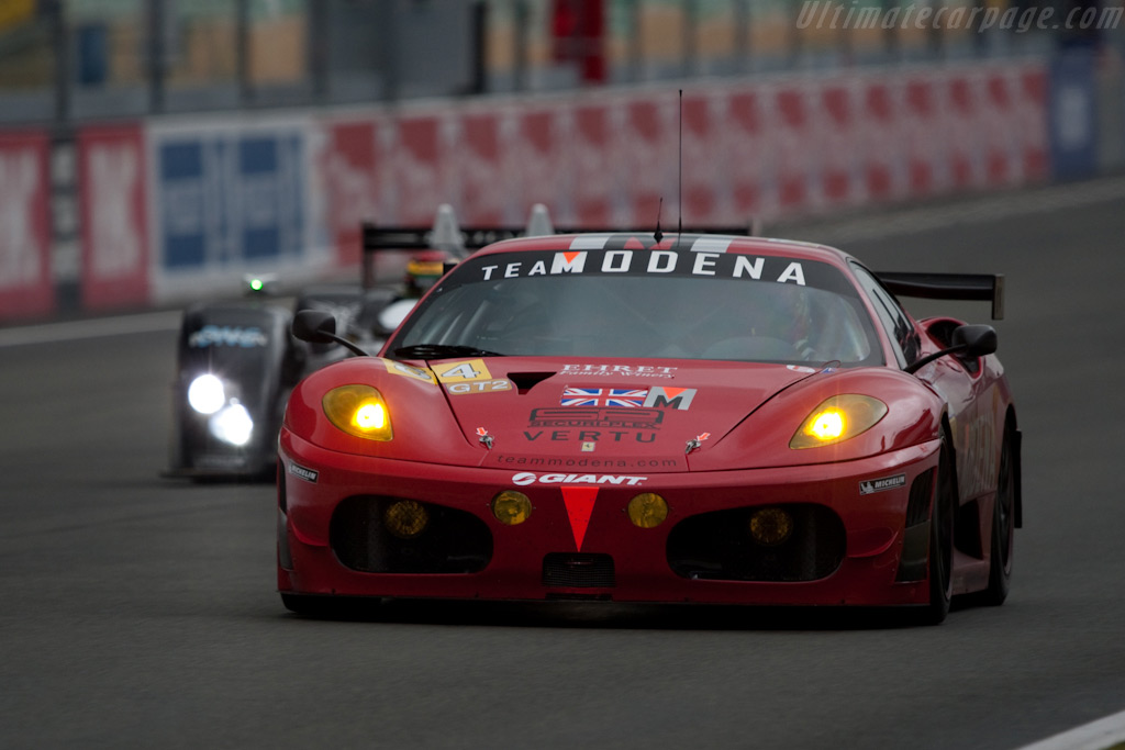 Ferrari and Ginetta-Zytek down the straight - Chassis: 2636   - 2009 24 Hours of Le Mans