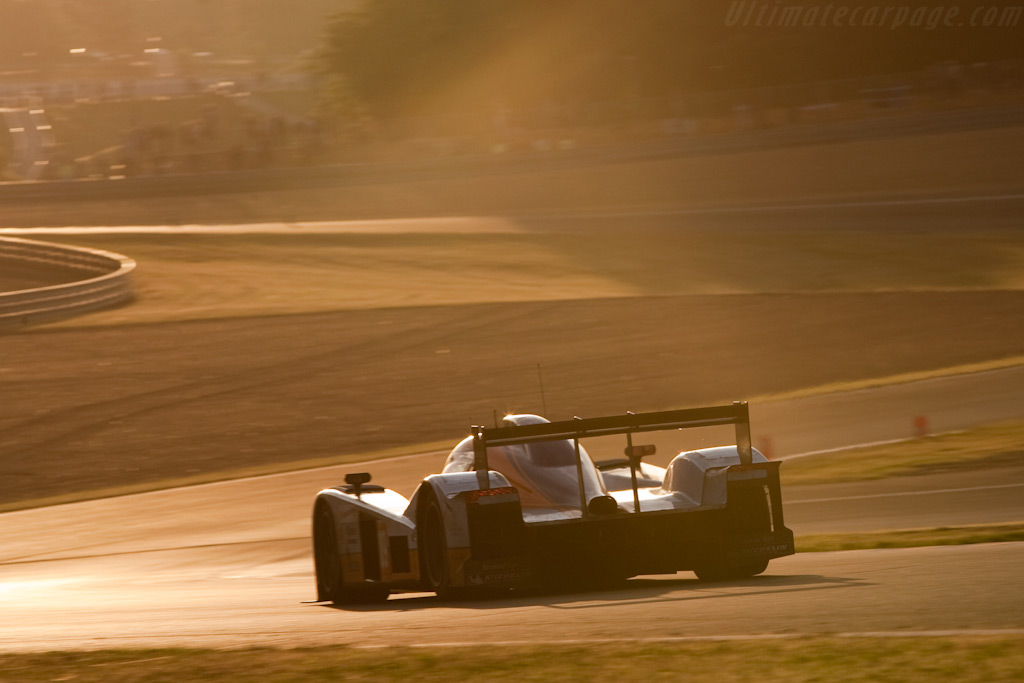 Lola-Aston rides into the sunrise - Chassis: B0960-HU01S   - 2009 24 Hours of Le Mans