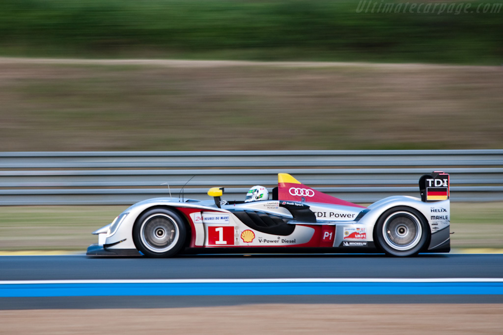 McNish on his flyer - Chassis: 105   - 2009 24 Hours of Le Mans