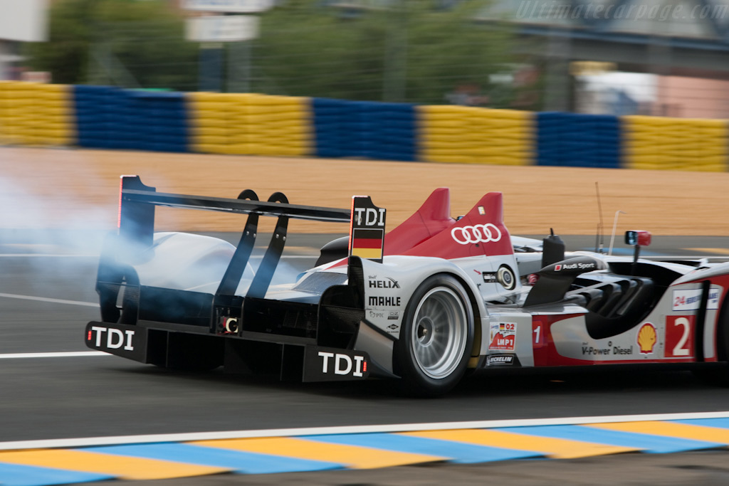 More burned off oil - Chassis: 104   - 2009 24 Hours of Le Mans