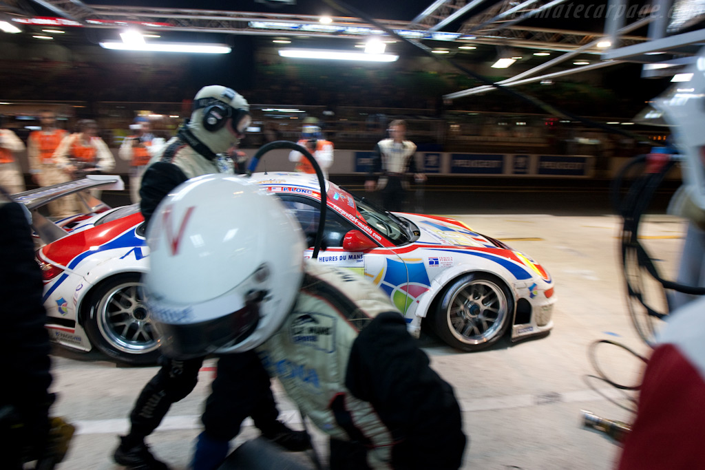 Off he goes - Chassis: WP0ZZZ99Z9S799916   - 2009 24 Hours of Le Mans