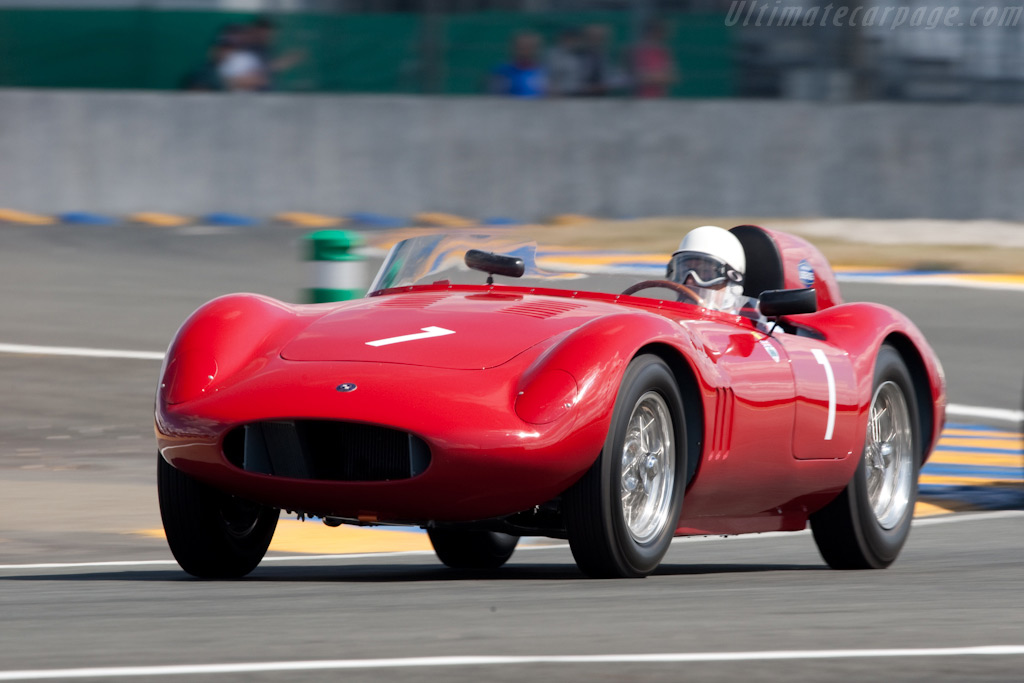 Sir Stirling Moss in an Osca FS 372 - Chassis: 1191 FS - Driver: Stirling Moss  - 2009 24 Hours of Le Mans